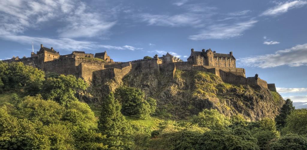 shutterstock_Edinburgh Castle