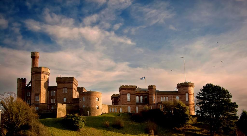 shutterstock_Inverness castle