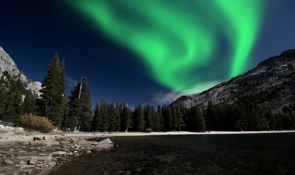 shutterstock_northern lights